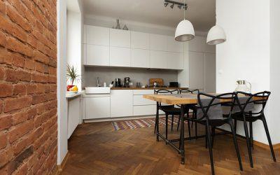 Jak prawidłowo oświetlić salon z aneksem kuchennym?
