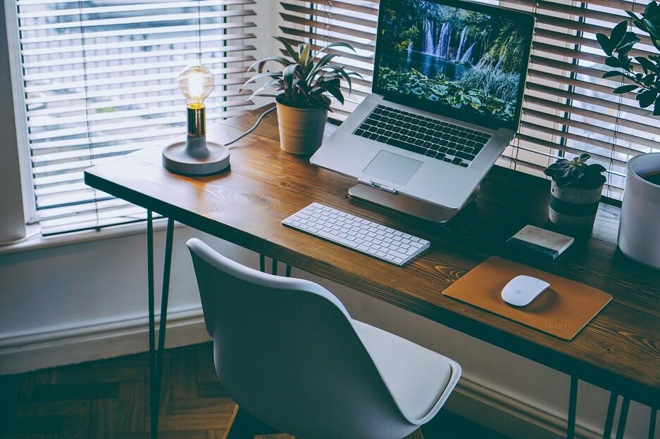 Jak dobrać oświetlenie biurowe