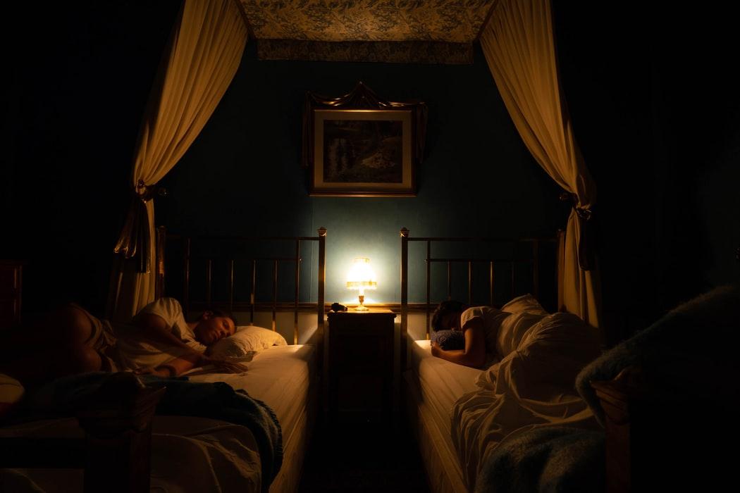Sposoby na oświetlenie korytarza nocą