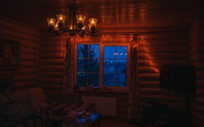 Jak oświetlić dom zimą – praktyczny poradnik